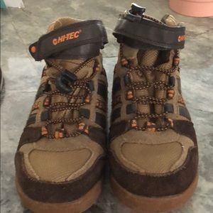 Hi-tec hiking boots.  Never worn. US 2